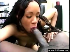 Amateur black girlfriend gets face cheek load