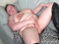 Bitchy mature working tits and twat