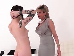 Unfaithful uk mature lady sonia showcases her huge naturals