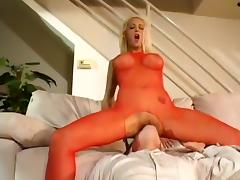 Trina Michaels likes to feel dick in dupce
