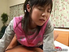Pretty asian schoolgirl gets a warm
