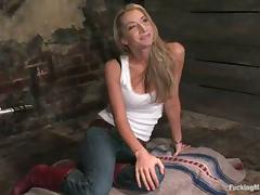 Blonde babe Sammie Rhodes gets her vag ripped apart by a sex machine