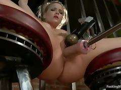 Alexis Texas gets stunningly fucked to orgasm by a sex machine