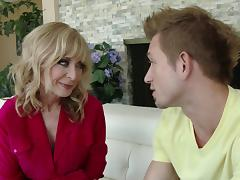 Bill Bailey fucks mature porn hottie Nina Hartley hardcore doggystyle